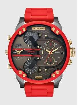 Reloj Mr Daddy 2.0 de dos manecillas en acero inoxidable de color rojo y silicona