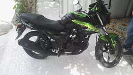 Vendo moto szr 150 en mui buenas condiciones con SOAT y gases nuevos