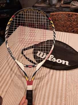 Vendo raqueta de tenis para niño WILSON con funda en PERFECTO ESTADO