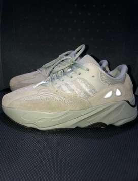 Adidas Yeezy 700 8,5 us