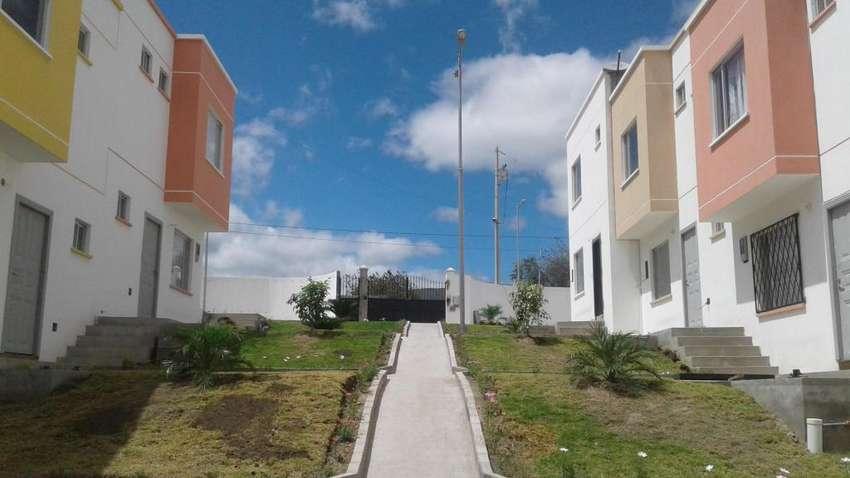 Casas de Venta 62.000, CONJUNTO HABITACIONAL, SECTOR EL NIAGARA. Latacunga - Ecuador 0