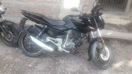 Vendo moto Rouser 135cc con todos los papeles