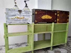 Vendo decoraciónes en madera