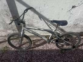 Bicicleta Unibike Swcep free style rodado 20