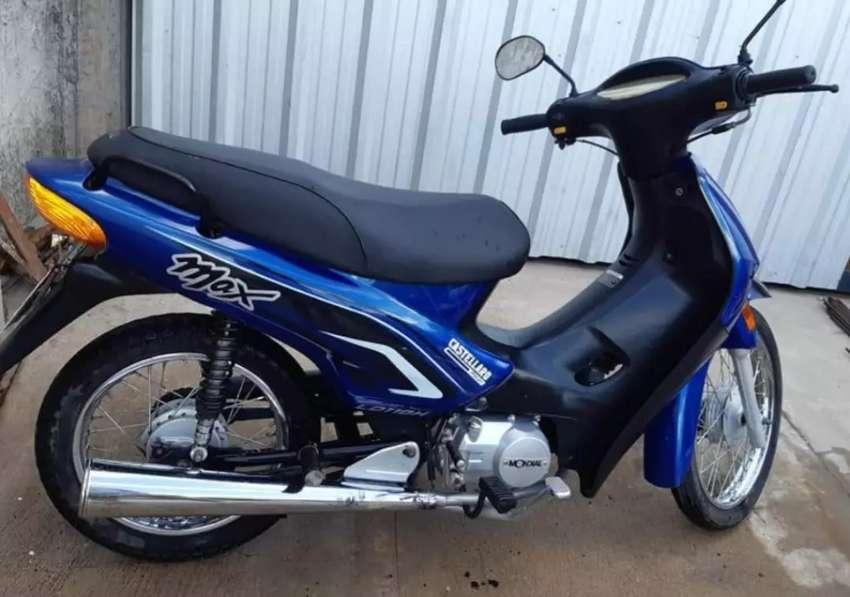 Vendo moto Mel impecable 0