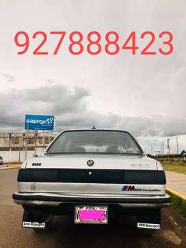 Auto BMW 320 SPORT; año 82 sunroof mecánico,llantas,tapiz y pintura nueva. único dueño todo ok.