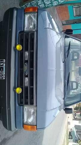 Me ofrezco con mi ford 100 para todo tipo de trabajo