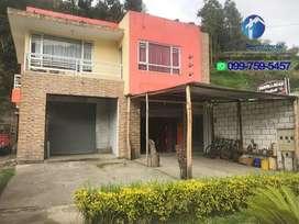Casa comercial en venta en Paute   vía principal