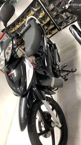 Vendo moto kimco U Nik modelo 2017 papeles hasta julio del 2021 exelente estado