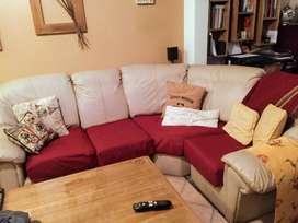 sillón de 4 cuerpos  largo: 2,20m  ancho: 1,90m  altura: 90cm   ecocuero