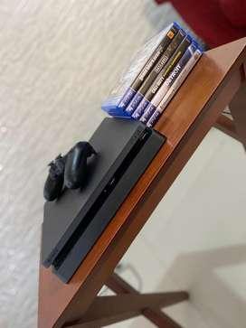 Playstation 4 slim de una tera