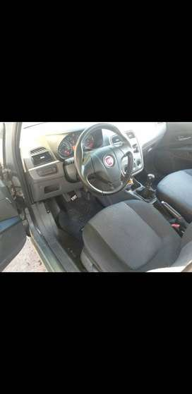 Fiat punto 2010 attractive 82.000 kilometros ($ 460.000 )