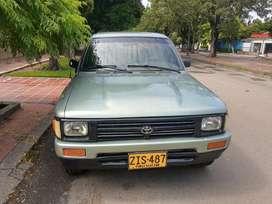 Se vende Toyota Hilux modelo 1999