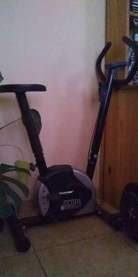 Bicicleta fija.
