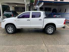 Vendo Pick Up, marca Toyota, modelo Hilux, 4x2