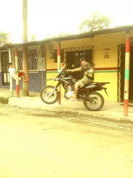 ATENCION ATENCION Vendo linda moto de el año muy buen precio