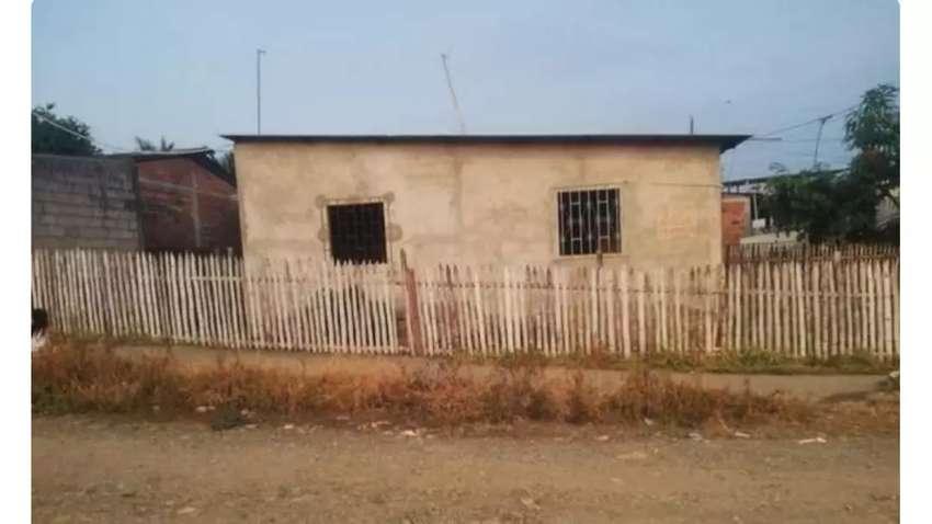 Vendo solar con casa construida 0
