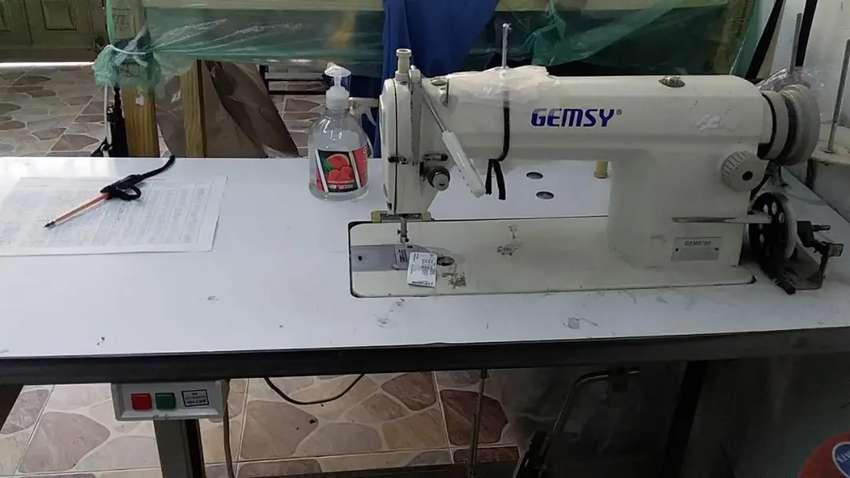 Se requiere operaria maquina fileteadora