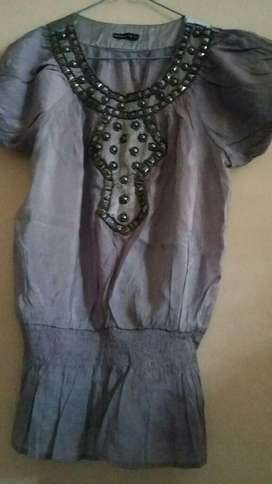 Blusa de Seda Bordada con Piedras