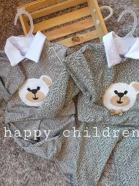 Variedad de ropa para niño