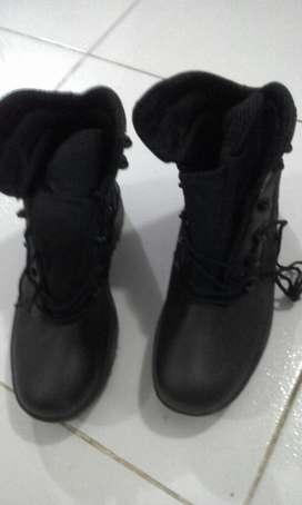 Botas de Cuero Negras NUEVAS