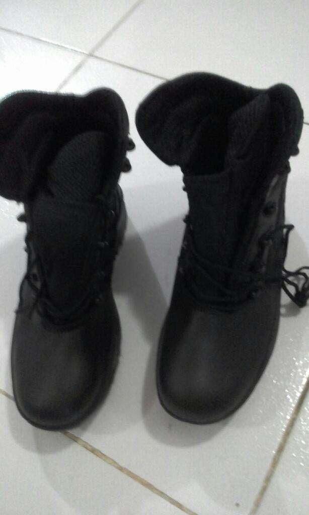 Botas de Cuero Negras NUEVAS 0