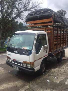 Camion NHR  Modelo 2000
