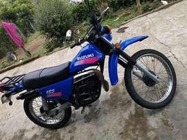 Moto suzuki 185 ER