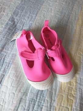 Vendo Zapatillas para Niña Nuevas