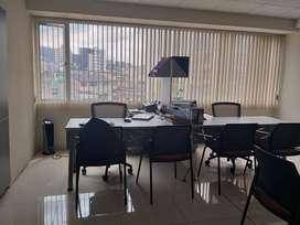 VeNdO linda oficina en excelente sector Atahualpa y Republica.