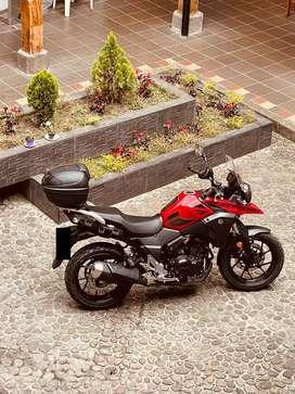 Vendo hermosa motocicleta V-STROM DL250