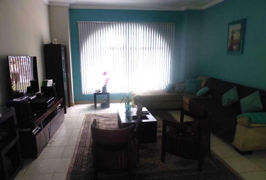 Casa como terreno en San Isidro 51886 0