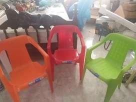 Vendo 3 sillas Rimax para niños