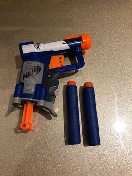 Pistola Nerf pequeña como si fuese nueva