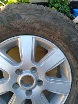 vendo ruedas armadas de Amarok