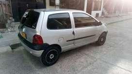 Vendo excelente Renault Twingo Dinámica el más full está como nuevo.