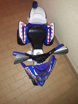Vendo linda moto de bateria recargable