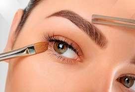 Se solicita personal especializado en deseño de cejas y pestañas