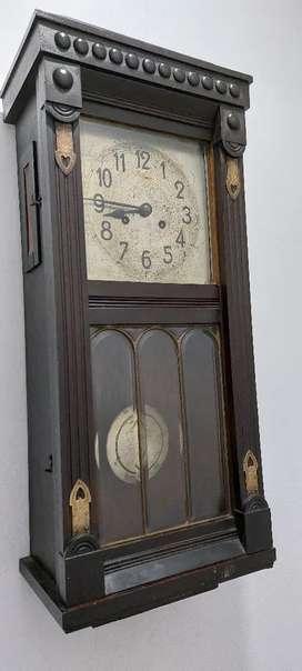 Reloj de pared antiguo kiezle