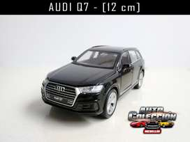 Auto de Colección  Audi Q7 Marca Welly  12 cm