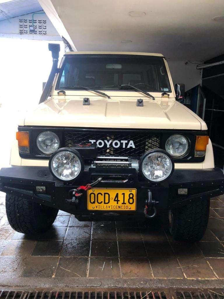 Toyota Macho 2.4 0