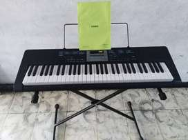 PIANO CASIO LK170 DE SEGUNDA