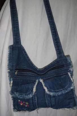 Bolsito de jean para nena con bolsillos