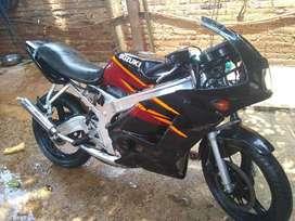 Vendo moto zusuki 150 cc 2 tiempos