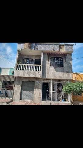 Hermosa casa de dos pisos en Ciénaga Magdalena Colombia ubicada