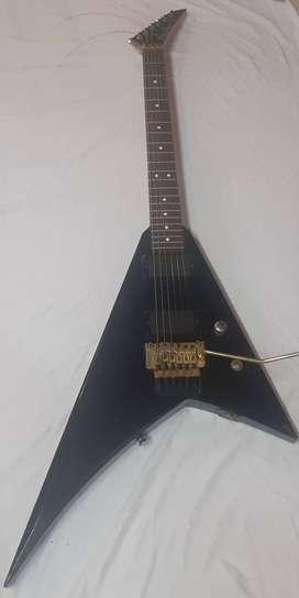 Guitarra jackson profesional fly v microfonos emg