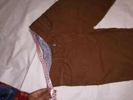 Short niño marrón claro