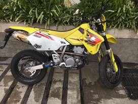 Moto Susuki DRZ-400