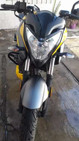 Vendo rowser ns 200 modelo 2020