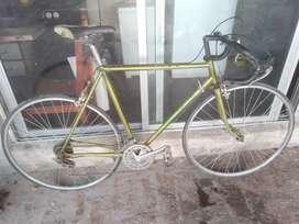 Vendo o permuto bicicleta de ciclismo de aluminio